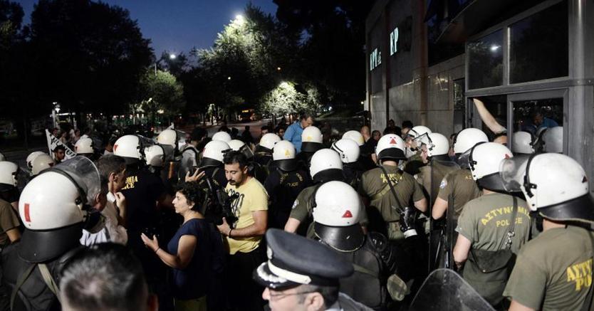 Le proteste contro la visita a Salonicco del presidente della Commissione Jean-Claude Juncker
